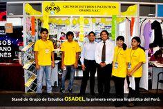 Stand de Grupo de Estudios OSADEL, la primera empresa lingüística del Perú.