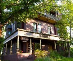 Montana history meets hospitality in this Helena, Montana romantic getaway at The Sanders Bed and Breakfast.