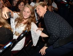 Pin for Later: Ellen DeGeneres and Portia de Rossi Make a Sweet Appearance on Their Anniversary