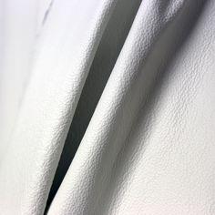 Valkoinen nahkavuota odottamassa sitä oikeaa sohvaa! | White leather hide waiting for the right sofa!  #pohjanmaan #pohjanmaankaluste #käsintehty