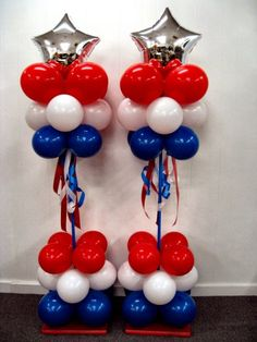 Love these patriotic balloon columns! Love these patriotic balloon columns! Balloon Columns, Balloon Arch, Balloon Tower, 4th Of July Parade, Fourth Of July, 4th Of July Decorations, Balloon Decorations, Balloon Ideas, Holiday Decorations