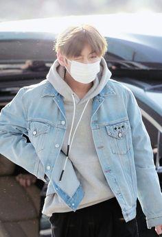 This is a Taekook ff, but has some yoonmin and Namjin in it. Jungkook, Yoongi, Namjoon and Hoseok are brothers. Jimin, Bts Selca, Bts Bangtan Boy, Bts Boys, Kim Namjoon, Kim Taehyung, Bts Airport, Airport Style, Airport Fashion