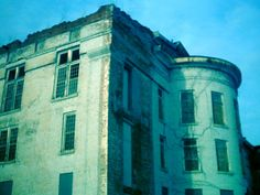 Discover the world through photos. Abandoned Asylums, Abandoned Castles, Community, Explore, Buildings, World, Houses, Homes, The World