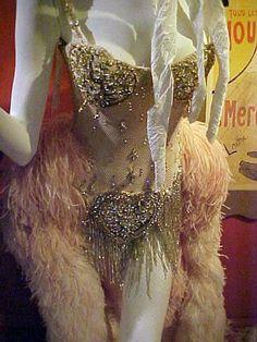 Moulin Rouge, Nicole Kidman's pink diamonds costume