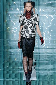 Marc Jacobs Fall 2011 Ready-to-Wear Fashion Show - Katrina Hoerning