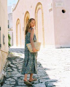 2300492fe42e 726 najlepszych obrazów na Pintereście na temat tablicy pozdrowienia z  wakacji   Spring summer, Nice asses i Outfits