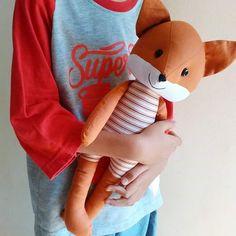"""32 To se mi líbí, 2 komentářů – Dolls by Ira Siril (@tsabitaboneka) na Instagramu: """"Fox dipelukan.........Tersipu Malu #bonekahandmade #handmadedoll #bonekarubah #bonekafox #fox…"""""""
