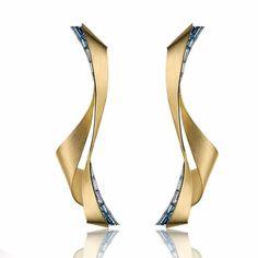 Com ou sem pedras? #gold #contemporary #design #diamonds #aquamarine #brushedgold