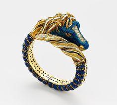 carlo giuliano jewellery | gezierte-pferdekopf-armspange-1.jpg