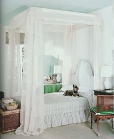 """Decorated by a young Albert Hadley, this room appeared in a 1959 Vogue article, """"Summer on a Shoestring"""" via The Peak of Chic Bedroom Green, Bedroom Sets, Bedding Sets, Master Bedroom, Bedroom Decor, Design Bedroom, Bedroom Colors, Master Bath, Beautiful Bedrooms"""