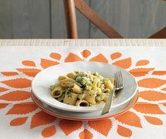 Mezze maniche con broccolo romanesco all'acciuga
