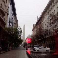 Another rainy afternoon #Obelisco #DiagonalSur #Iconic #rain #greyday #sky #clouds #contrastes #art #SanNicolas #Comuna1 #BuenosAires #Argentina (en Diagonal Sur)