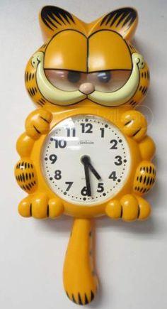 shopgoodwill.com: Vintage Animated Garfield Wall Clock 020