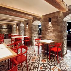 Barsa Taberna, a tapas restaurant in Toronto, design by +tongtong Tapas Restaurant, Design Bar Restaurant, Tapas Bar, Pub Design, Coffee Shop Design, Commercial Interior Design, Commercial Interiors, Cafe Bar, Spanish Interior