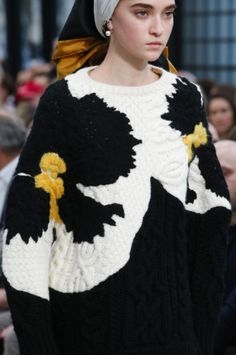 Valentino runway show fancy flower knit- intarsia with embroidery