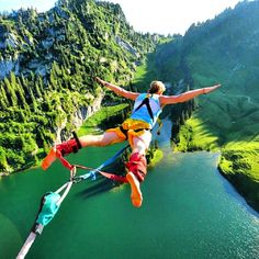 We Love Friday!- Free Falling: An Homage to Bungee Jumping