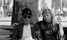 "Tom Cruise e Rebecca De Mornay sul set di ""Risky Business"", 1983 Tom Cruise, Risky Business 1983, Quotes Vegan, 1980s Films, 80s Movies, Shadow Face, Playboy Tv, Movies Showing, Make You Smile"
