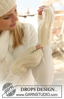 """Nieves Mittens - Knitted DROPS wrist warmers in """"Alpaca"""" and """"Kid-Silk"""". - Free pattern by DROPS Design Crochet Mittens, Mittens Pattern, Knit Or Crochet, Drops Design, Knitting Patterns Free, Knit Patterns, Free Knitting, Free Pattern, Wool Gloves"""