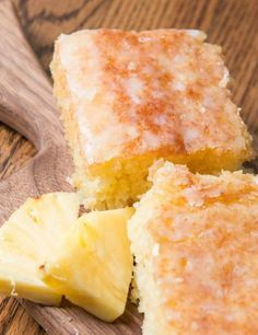 Pineapple Crush Cake Recipe | This cake recipe uses two shortcut ingredients to make it the easiest summer dessert recipe ever!