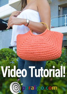 Diy Crafts - crochetbag,everyday-crochet bag, big bag for everyday life crochet crochetbag everyday video easy diy fashion crochetfashion Crochet Bag Tutorials, Diy Crafts Crochet, Crochet Purse Patterns, Crochet Videos, Crochet Stitches, Crochet Beach Bags, Crochet Market Bag, Crochet Bags, Crochet Handbags
