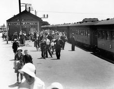 In the early century some busy stations, such as Frankton Junction (seen here in the earned unsavoury reputations as unsafe places for women travelling alone. Nz History, New Zealand Landscape, Train Pictures, Steam Locomotive, Travel Alone, Train Station, Ministry, 1930s, Over The Years