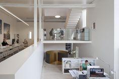 Kirchplatz Office + Residence / Oppenheim Architecture + Design  Office © Borje Mülle