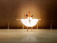 bolshoi ballet academy rehearsal Bolshoi Ballet, Ballerina, Athlete, Dancer, Strength, Ballet Skirt, Take That, Artist, Beauty