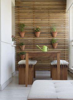 Decoração de: estrado de madeira; Casa de Valentina