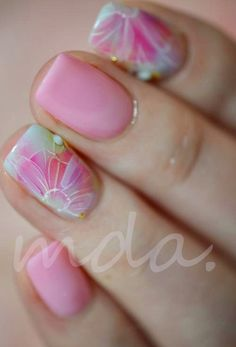 soft pink flower nails #nails #nailarts #naildesign