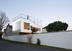 2-corrugated-aluminium-facade-1930s-home-extension.jpg