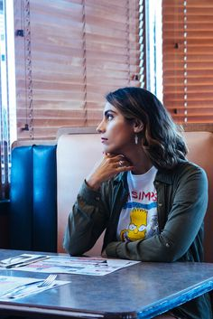 Saalika Khan: American as Apple Pie — Aesthetic Distance