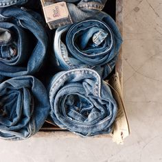 Denim, your daily basic to rock. #denim #jeans #style