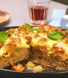 Pizza mit Hackfleischboden - Low Carb