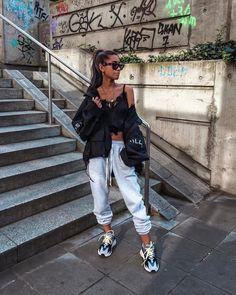Dad sneakers, looks lindos, sporty outfits, outfits for Fashion Killa, Look Fashion, Teen Fashion, Fashion Outfits, Womens Fashion, Fashion Trends, Fashion 2016, Fashion Clothes, Latest Fashion
