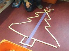 Mirror with Kapla blocks – Knippen Christmas Activities, Craft Activities, Diy And Crafts, Christmas Crafts, Stem Steam, Christmas Home, Kindergarten, December, Clip Art