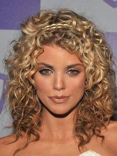 Haircut Medium Curly Hair Annalynne Mccord 39 Ideas Haircut Medium C Mid Length Curly Hairstyles, Medium Curly Haircuts, Medium Hair Cuts, Hairstyles Haircuts, Medium Hair Styles, Haircut Medium, Trendy Hairstyles, Glamorous Hairstyles, Curly Perm
