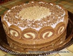 Érdekel a receptje? Hungarian Desserts, Hungarian Recipes, Chestnut Cake Recipe, Cupcake Recipes, Cookie Recipes, Cake Slicer, Waffle Cake, Torte Cake, Croatian Recipes