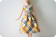 I love this project that I found while browsing on freeneedle.com Dresses for my sisters barbie dolls!