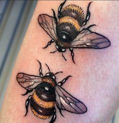 Bee tattoo - Daniel Danckert - List of the most beautiful tattoo models Tattoos Masculinas, Love Tattoos, Beautiful Tattoos, Body Art Tattoos, Small Tattoos, Bumble Bee Tattoo, Small Snake Tattoo, Tiger Tattoo, Cat Tattoo