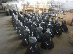 tka grote partij industriele zwarte lampen,allen met glas[!!] aan de onderkant prijs pst 175 euro grotere partijen interessante dealer prijs