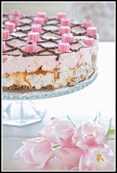 Maalaisunelmaa Vanilla Cake, Baking, Desserts, Food, Kitchen, Tailgate Desserts, Deserts, Cooking, Bakken