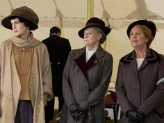 Cora, Violet & Isobel watch as Mary rides to the start line at the point-to-point race at Canningford Grange, summer Downton Abbey Costumes, Downton Abbey Series, Downton Abbey Fashion, Penelope Wilton, Lady Violet, Elizabeth Mcgovern, Dowager Countess, Masterpiece Theater, Maggie Smith