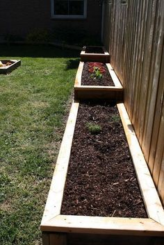 Cheap and Easy DIY How to Make Raised Garden Beds With Fence https://www.onechitecture.com/2018/01/19/cheap-easy-diy-make-raised-garden-beds-fence/ #gardenplanters #gardenfences #raisedbedsfence #raisedgardens