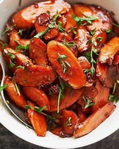 Honey Cinnamon Glazed Carrots – Pan cooked carrots with honey cinnamon glaze. The easiest and best honey glazed carrots recipe ever! Southern Thanksgiving Recipes, Traditional Thanksgiving Recipes, Best Thanksgiving Side Dishes, Vegetarian Thanksgiving, Holiday Recipes, Italian Thanksgiving, Thanksgiving 2020, Christmas Recipes, Quick Side Dishes