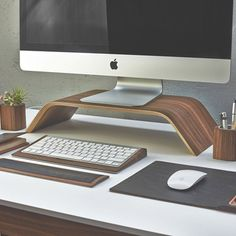 I would love to have this desk set in my office