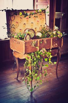 50 Awesome and Unique Steampunk Wedding Ideas   http://www.deerpearlflowers.com/50-awesome-and-unique-steampunk-wedding-ideas/