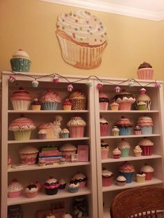 Oh I need all these for all babygirl's shelfs in her room!!!