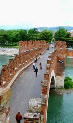Ponte Scaligero, Verone, Italie (by anhndee province of Verona , Veneto Ah....I wanted this one badly!!