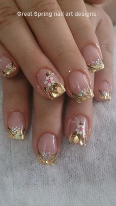 Outstanding spring nail art design with white flower Spring Nail Art, Nail Designs Spring, Spring Nails, Nail Art Designs, Nails Design, Fancy Nails, Trendy Nails, My Nails, Glitter Nails