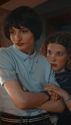 Image shared by gιυℓια Find images and videos about stranger things, mike and millie bobby brown on We Heart It - the app to get lost in what you love. Stranger Things Actors, Stranger Things Aesthetic, Eleven Stranger Things, Stranger Things Netflix, Stranger Things Season 3, Jonathan Stranger Things, Stranger Things Tattoo, Film Anime, Bobby Brown